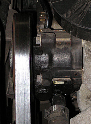 Leaking Steering Pump On A Ford 3 0 Liter Dohc Duratec Engine